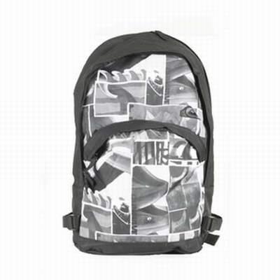 sac de voyage quiksilver intersport sac a dos quiksilver scolaire sac quiksilver basic b. Black Bedroom Furniture Sets. Home Design Ideas